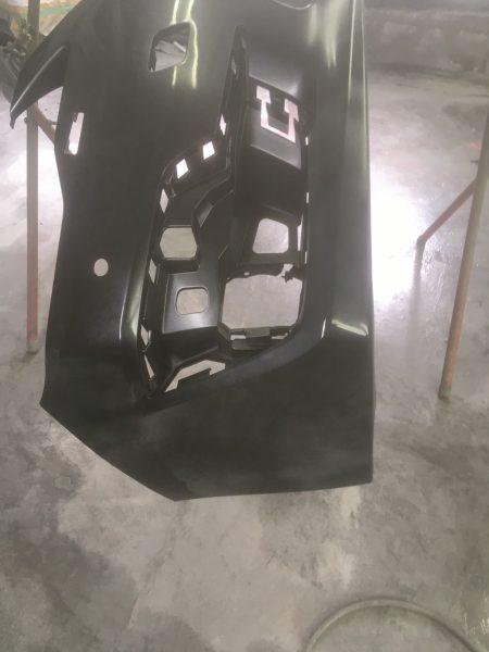 インプレッサーG4 フロント、リヤバンパー板金塗装!